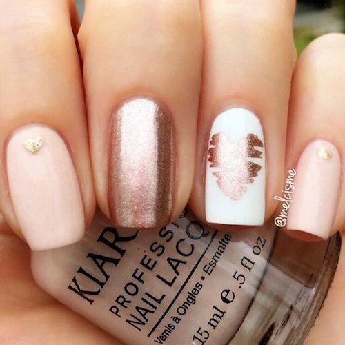 Corazones como acentos para uñas que puedes lucir en tu boda civil o en cualquier momento. ¿No son divinas?