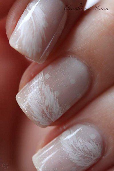 Lunares y diseño de uñas para novias vintage.