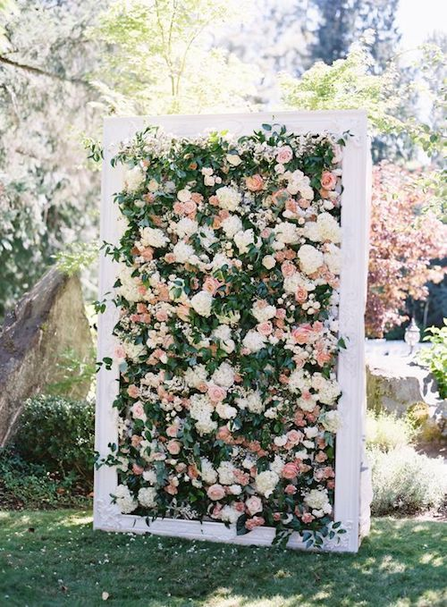 DIY floral backdrop. Photography: O'Malley Photographers.