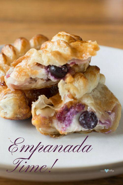 Empanaditas de dulce para el postre de tu almuerzo de civil o como bocadillo en un buffet de brunch. Foto: Naomi Tomky.