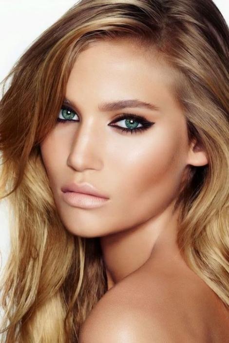 Eyeliner tricks for close set and lightly hooded eyes.