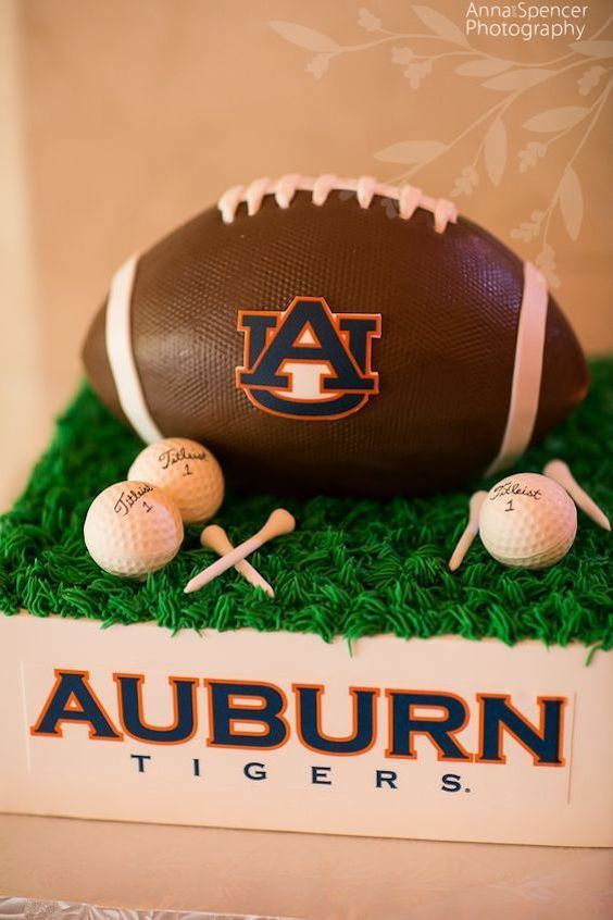 Go Tigers! Auburn U and golf groom's cake by For Goodness Cakes. Photo: Anna and Spencer Photography.