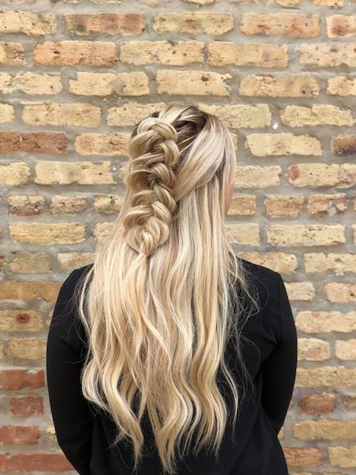 Imagine yourself in this half-up half-down with a pull-through braid hairstyle by goldplaited.