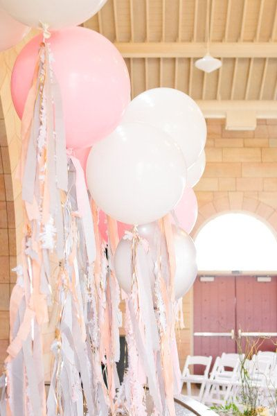 How to make a wedding backdrop step by step tutorials: balloons with streamers.