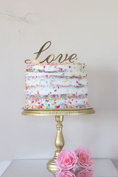 Festive and original naked confetti cake by kurabien.