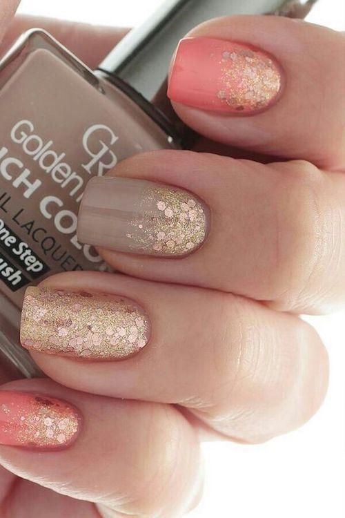Capuccino y rosa con acentos en dorado para novias con uñas cortas y en tendencia.