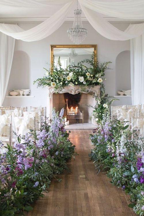 Al organizar bodas en casa se puede aprovechar una habitación para celebrar la ceremonia.