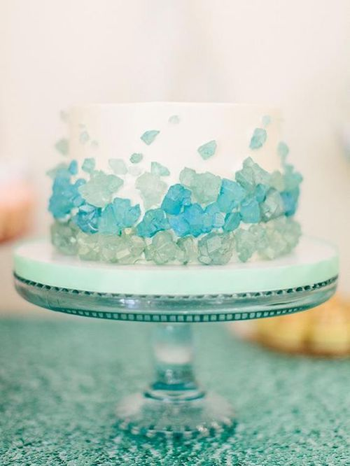 These single serving blue geode confections will impress your guests.