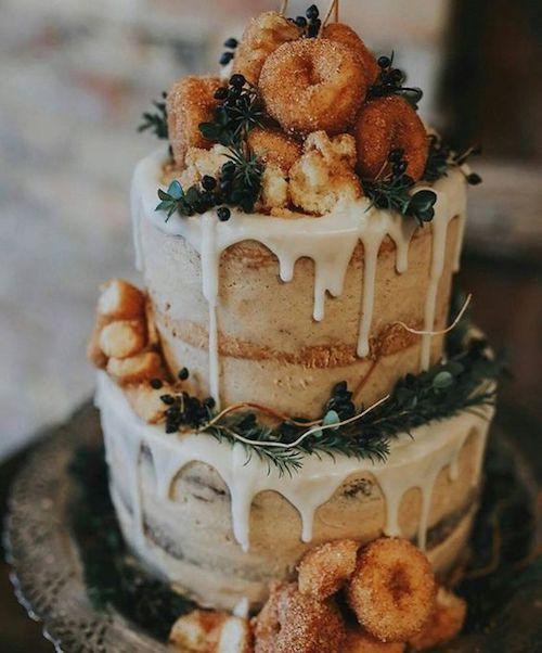 Una tarta nupcial muy poco tradicional para una velada que se lo merece. Sweet Wedding Cake.