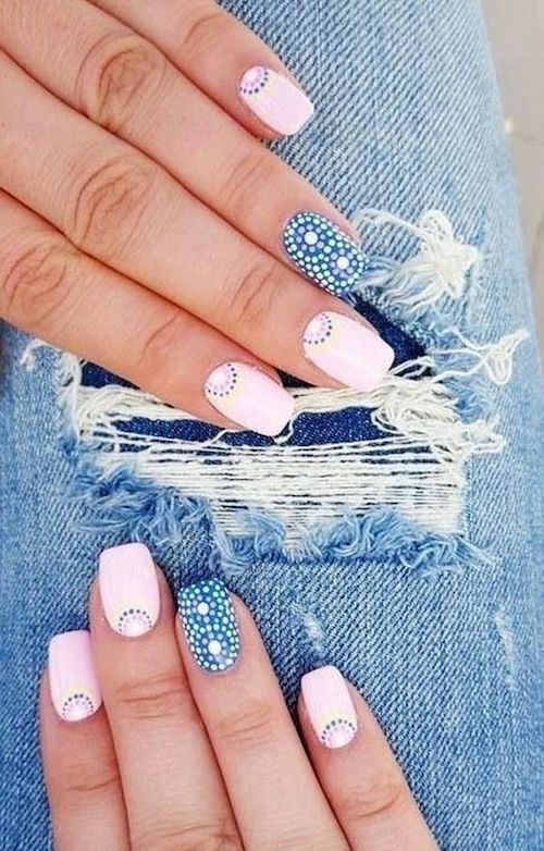 Decoración de uñas cuadradas en rosa y azul. Beautygal.