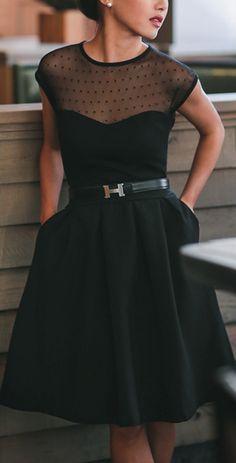 Clásica y lujosa opción para los vestidos de damas de honor para aquellas novias que planean una boda en blanco y negro.
