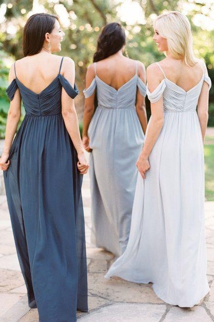 Vestidos para damas de honor en diferentes tonalidades de gris.