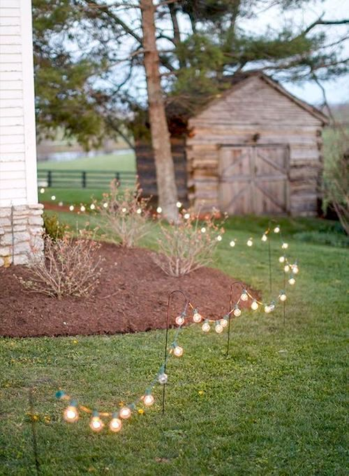 Backyard weddings are getting more and more popular because they are informal, simple, cozy, relaxing, and better yet, won't require a big budget.