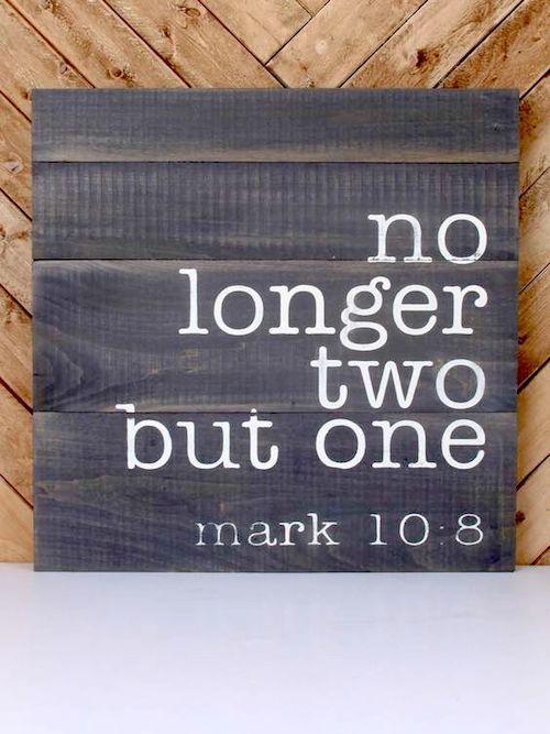 Si la boda es religiosa considera sumar un salmo a tu invitación de matrimonio. Ya no son dos sino uno. Mark 10:8.