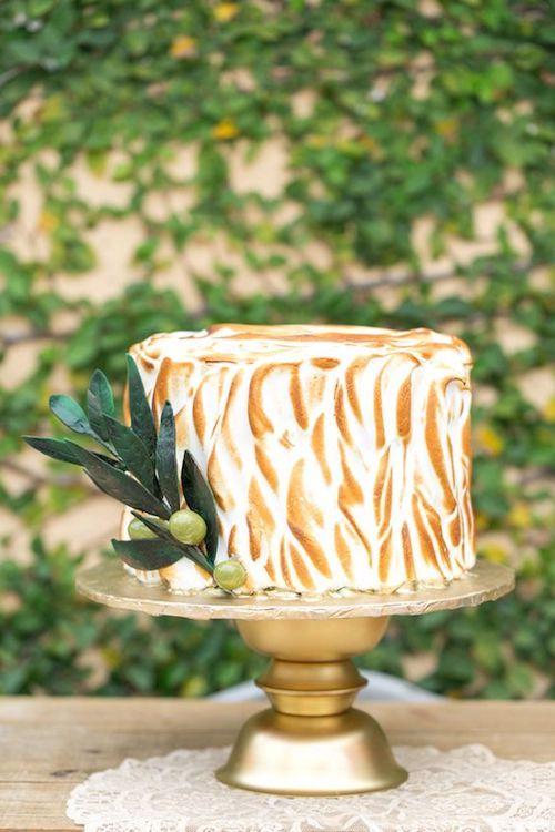 Cobertura de merengue italiano para una boda al aire libre. Amalie Orrange Photography.
