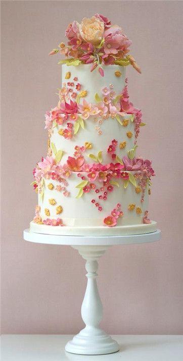 Veamos cómo elegir la combinación de sabores de torta para bodas perfecta para ti.