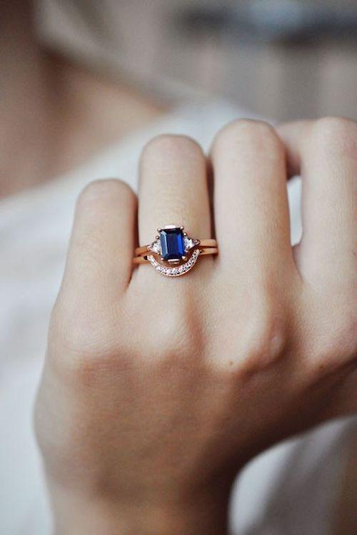 Detalle en azul para la novia. Joyería fina de Bona Drag.