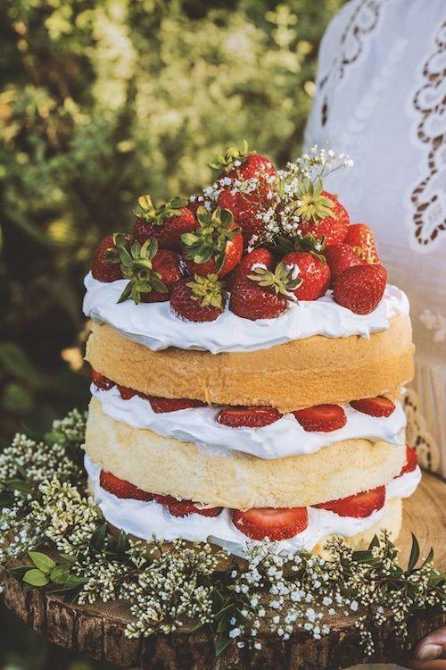 Sauco, fresas, crema batida y bizcocho de chiffon. ¿Ya elegiste tus sabores de torta para bodas?