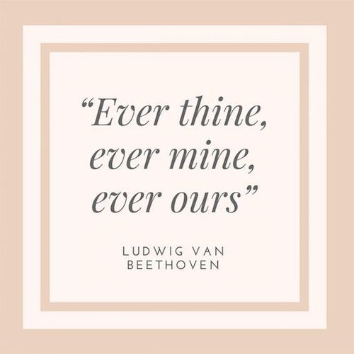 Siempre tuyo, siempre mía, siempre nuestros. Desde la sentimental a la clásica, encontrarás la frase para tu invitación.