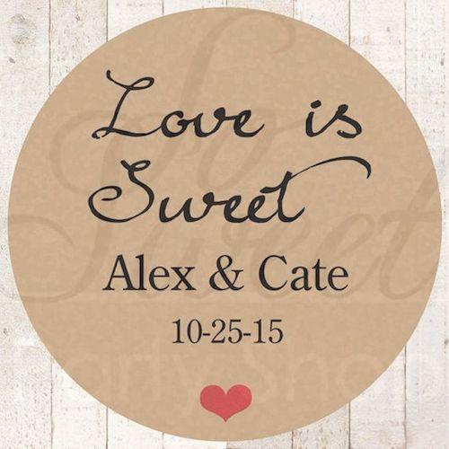 Las frases para invitaciones de bodas también sirven para los save the date. El amor es dulce.