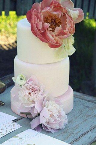 Dejemos atrás la tradición de la vainilla y adoptemos las nuevas tendencias en sabores de torta para bodas.