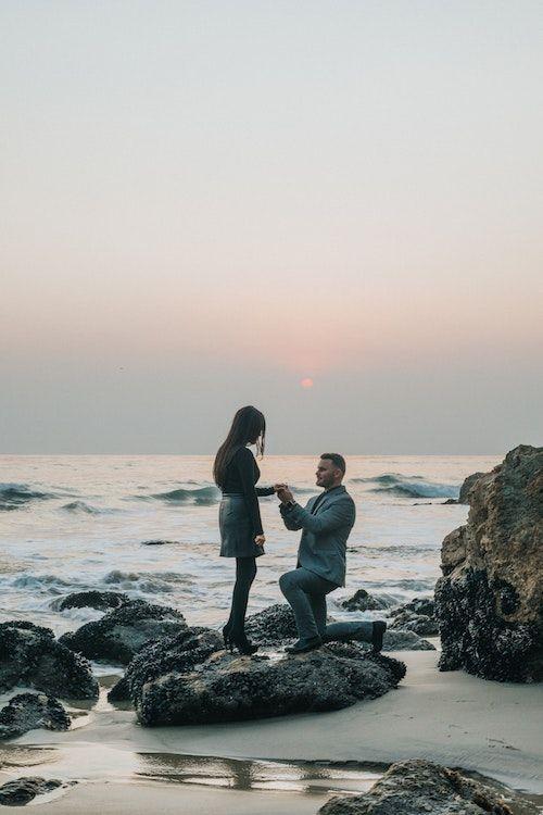 Un escenario de esta magnitud merece ser fotografiado por un profesional. Es un momento único en tu vida y vale la inversión. Foto: Nathan Dumlao/BYW @nate_dumlao El Matador State Beach, Malibu.