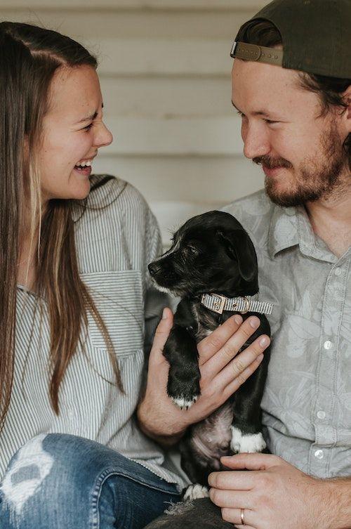 Me encanta la idea de incorporar tu mascota a la propuesta de matrimonio. Foto: Sarah ✗ Sharp/BYW @sarahgracesharp