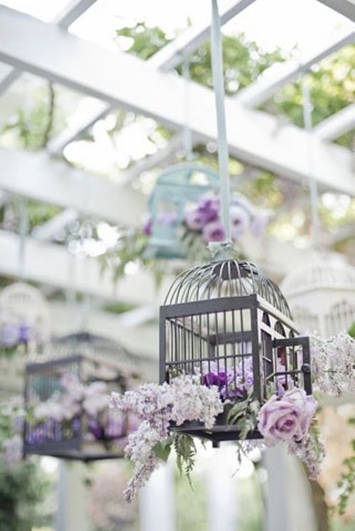 Gray, lilac and lavender wedding decor ideas for a vintage garden aesthetic.