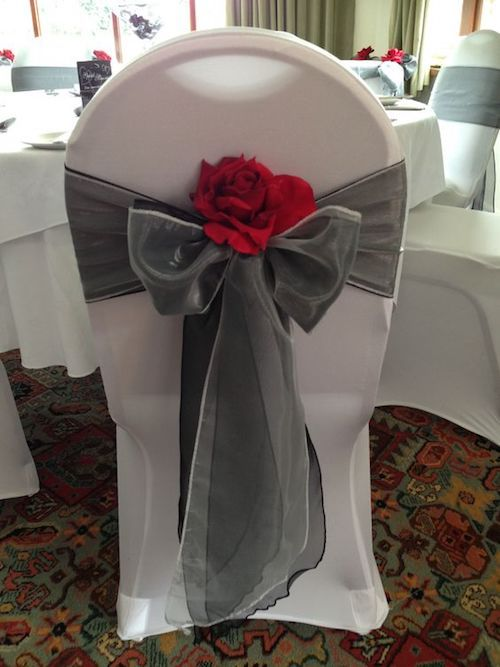 The devil is in the details. We love this red and gray wedding color combination!