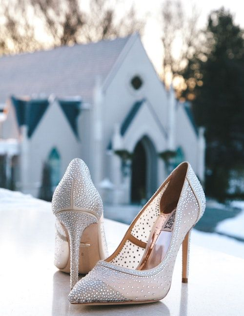 Silver and gray pumps for the classy bride. Photo: Marcus Lewis/BYW @marcusvlewis