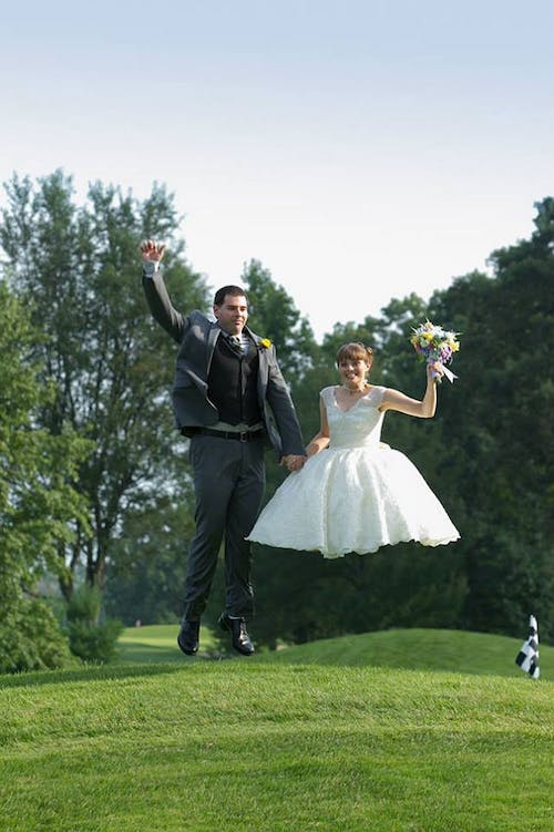Nope! Her legs were not edited from the photo. Learn from these couples' wedding day disasters!