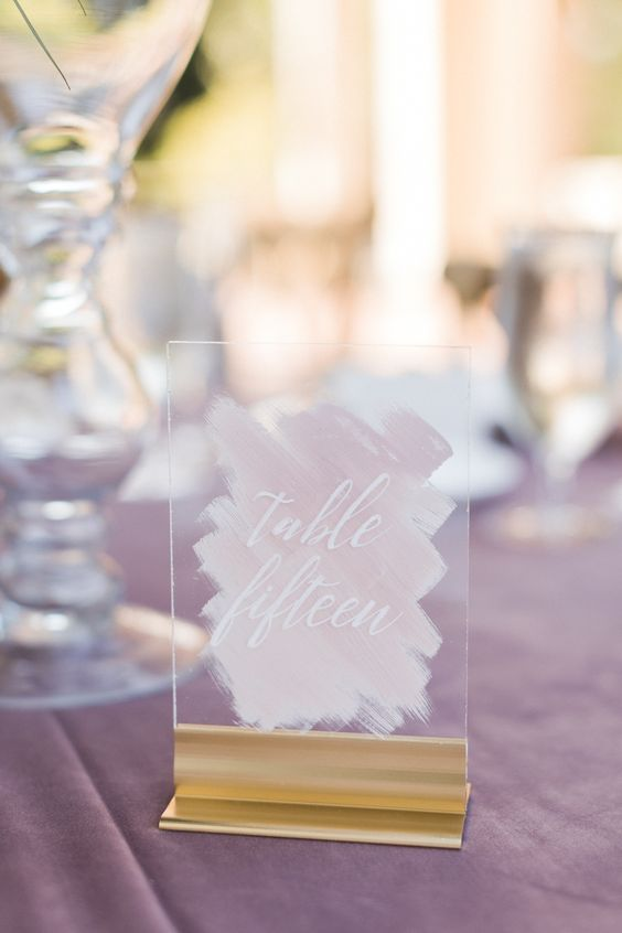 Chic acrylic table numbers in mauve. Photography: Jasmine Lee.