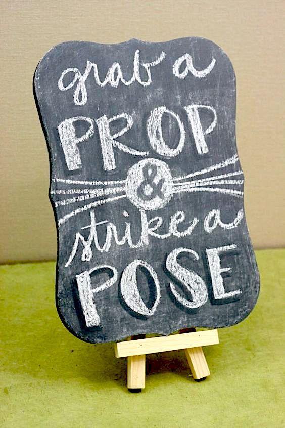 Maneras ultra originales para ahorrar en tu boda: y no es hacer tus propios carteles. Foto: thebudgetsavvybride.