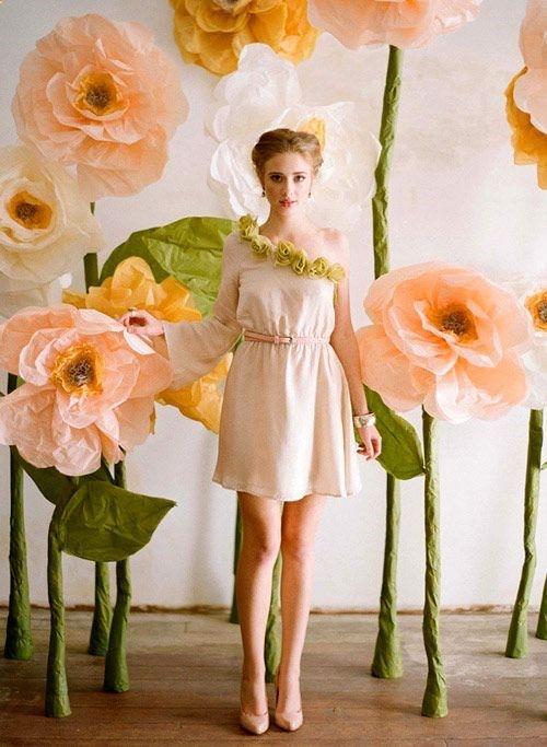 Convierte tus fotos en arte con flores gigantes de papel.