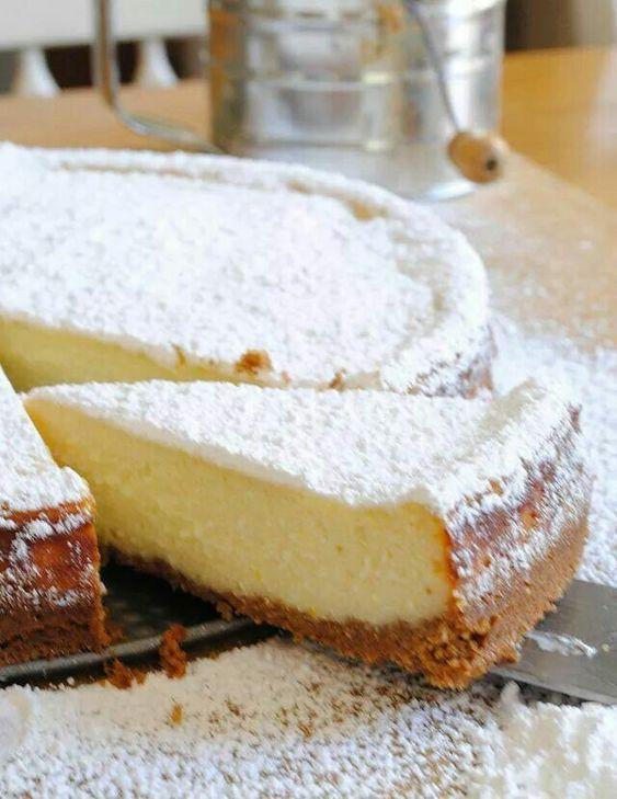 Para tu mesa de postres, una cheesecake de ricotta estilo siciliano. Del super, por supuesto.