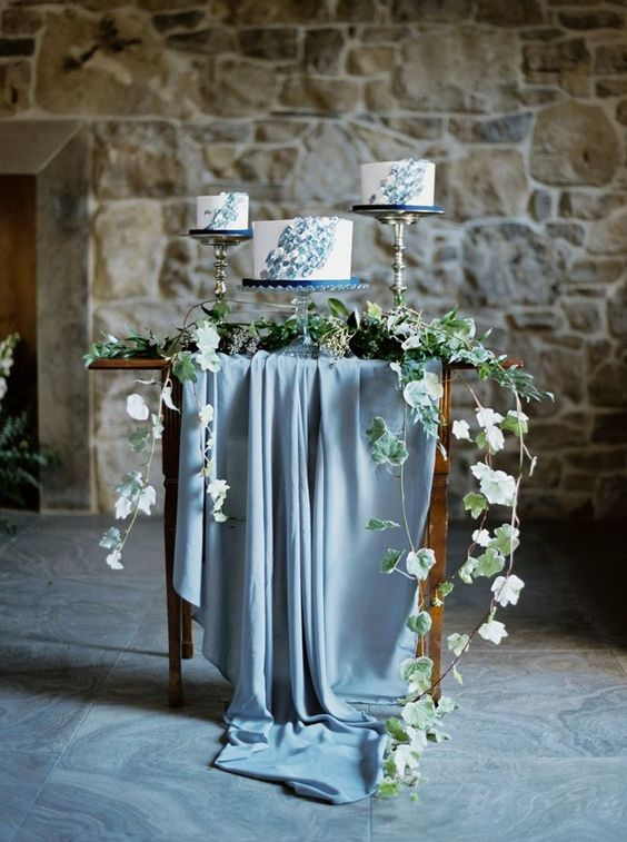 Vintage meets industrial deconstructed wedding cake for a deconstructed wedding venue.