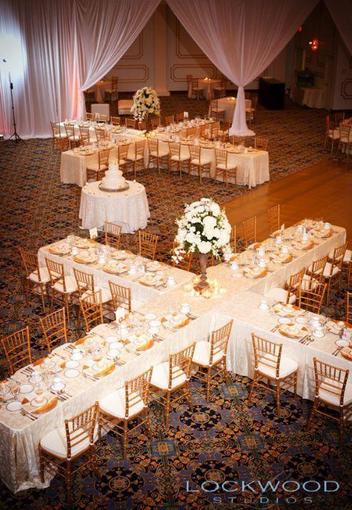 Un centro de mesa para 32 invitados no esta nada mal, ¿no? Fotografo: Lockwood Studios.