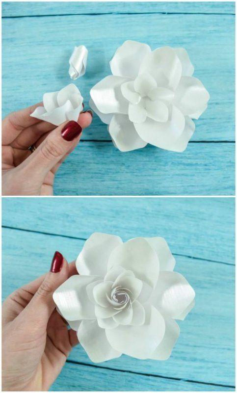 La gardenia es atemporal y elegante, sus pétalos son blancos de fragancia dulce por lo que son a menudo una flor favorita para ramos de novia.