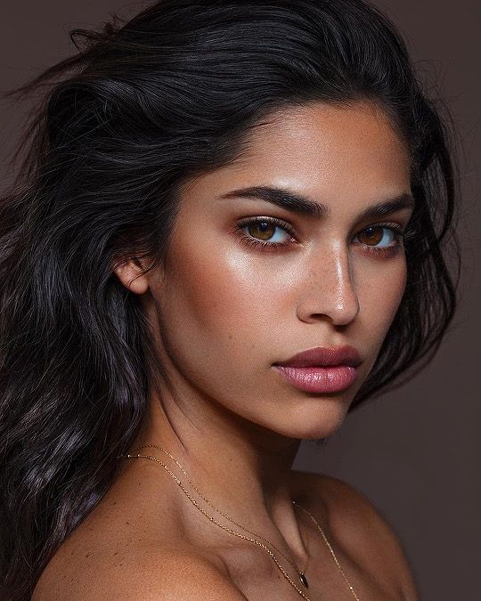 The nomakeup makeup look is trending. What are you waiting for?