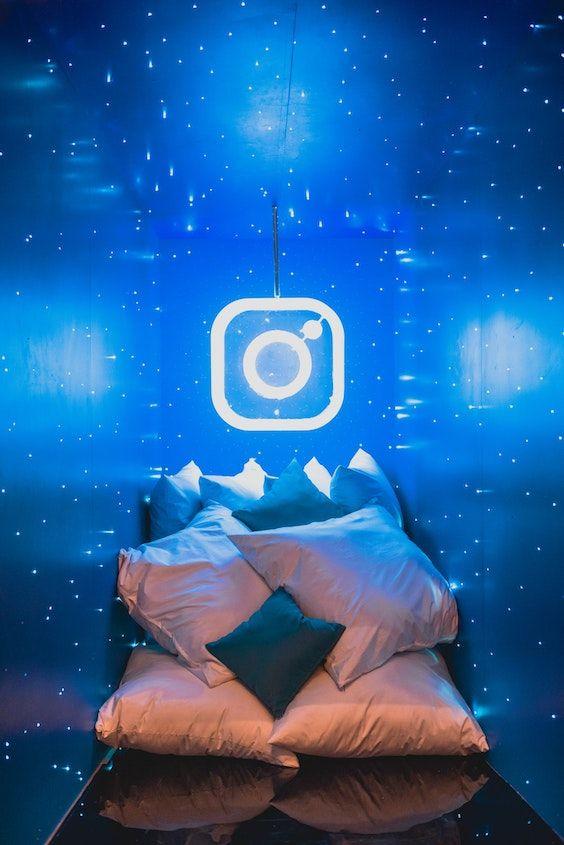 El photo booth mas original de todos se merece un stick para selfies. Tus invitados felices y no tendrás que gastar en una persona para que saque las fotos. Foto: Lance Matthew Pahang/BYW @comminuet