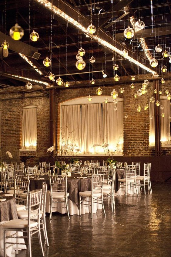 Decor details that will amp your wedding's amp power. And we do mean amps from the Edison bulbs! Photo: Melissa Schollaert Photography.