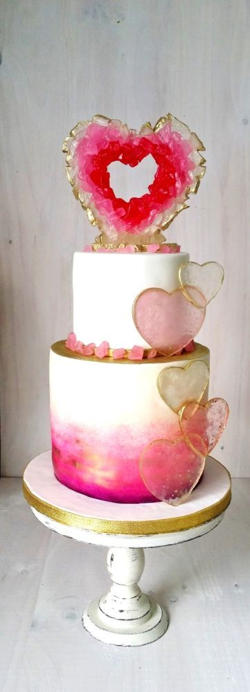 Loving this romantic geode wedding cake design. Two tiers that look like three by cakesdecor.
