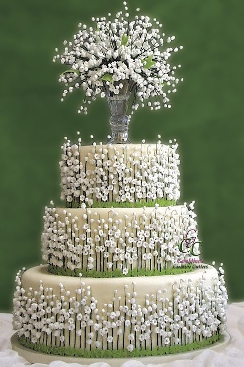 Unusual and flowery cake. Ideal for a spring wedding.