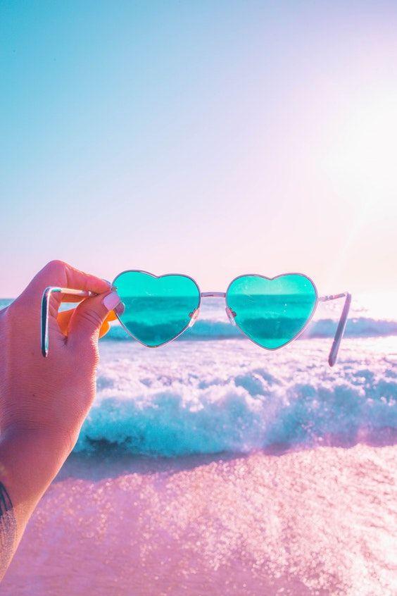Llévala un fin de semana a la playa. Qué mejor momento para declarar tu amor (y pedirle que se case contigo).
