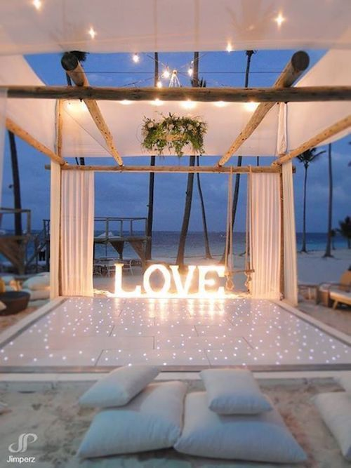 Reception at playa Bavaro Beach in Punta Cana with the dreamiest wedding dance floor imaginable. Photo: Jim Perz.