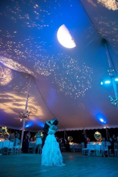 Create a night sky for the first dance by projecting stars and the moon onto the roof in Darlington Hall. Photo vIa smp.