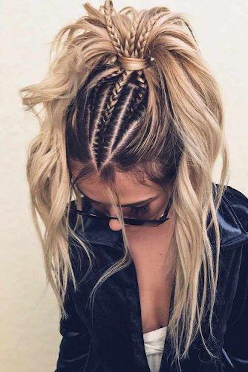 Los que piensan que los peinados de cola de caballo son aburridos, cambiarán de opinión. Cómo lucir este familiar peinado y asombrar a los demás invitados a la boda.