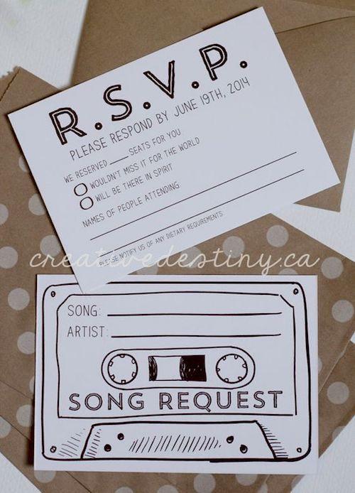 Otro pro de ir sola a una boda: escoges las canciones que a ti te gustan. Adquiere los RSVPs de Creative Destiny Shop en Nueva Escocia, Canada.