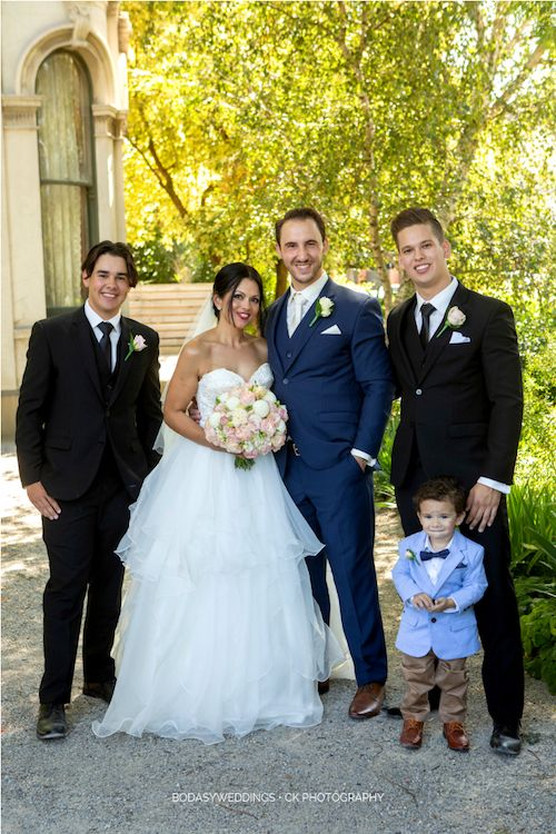 Don't miss out on these tips on how to choose groomsmen. One best man and one groomsman may be all a happy couple needs. Photographer: CK Photography.