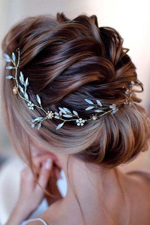 Trendiest wedding hairstyles you won't be able to wait to try. From Glaminati.